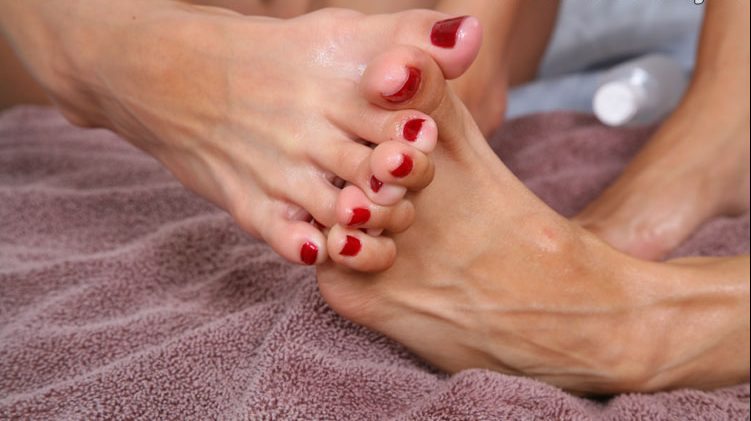 Toes Lace